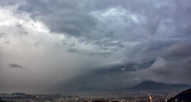 الأرصاد: رياح قوية وأمطار رعدية الأربعاء والخميس بهذه المدن