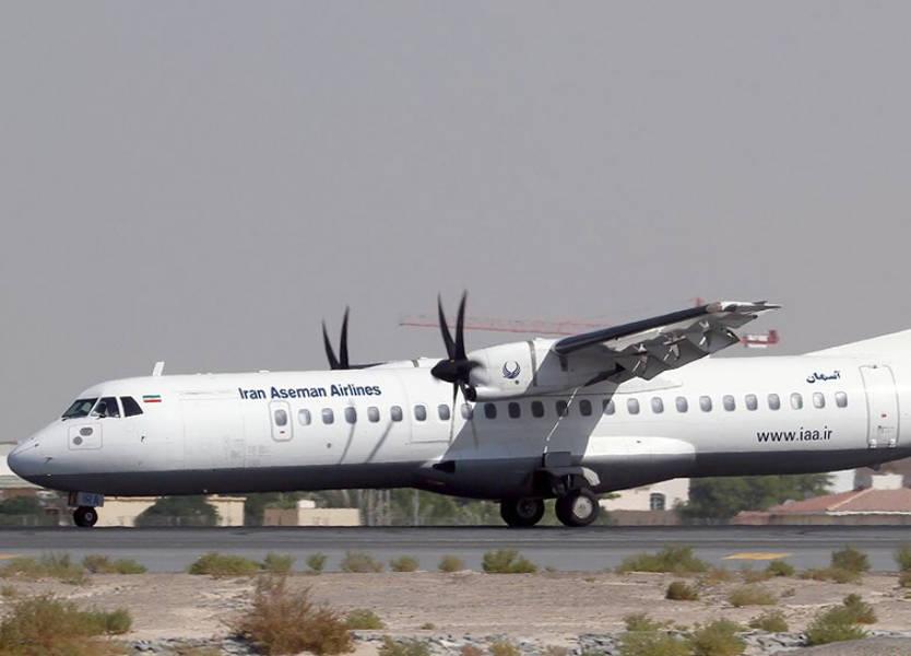 تحطم طائرة ركاب إيرانية على متنها 66 شخصا وسط البلاد