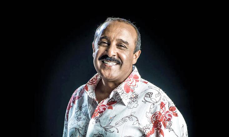 الكوميدي سعيد الناصري يدشن بداية جولة ناجحة بطنجة والرباط