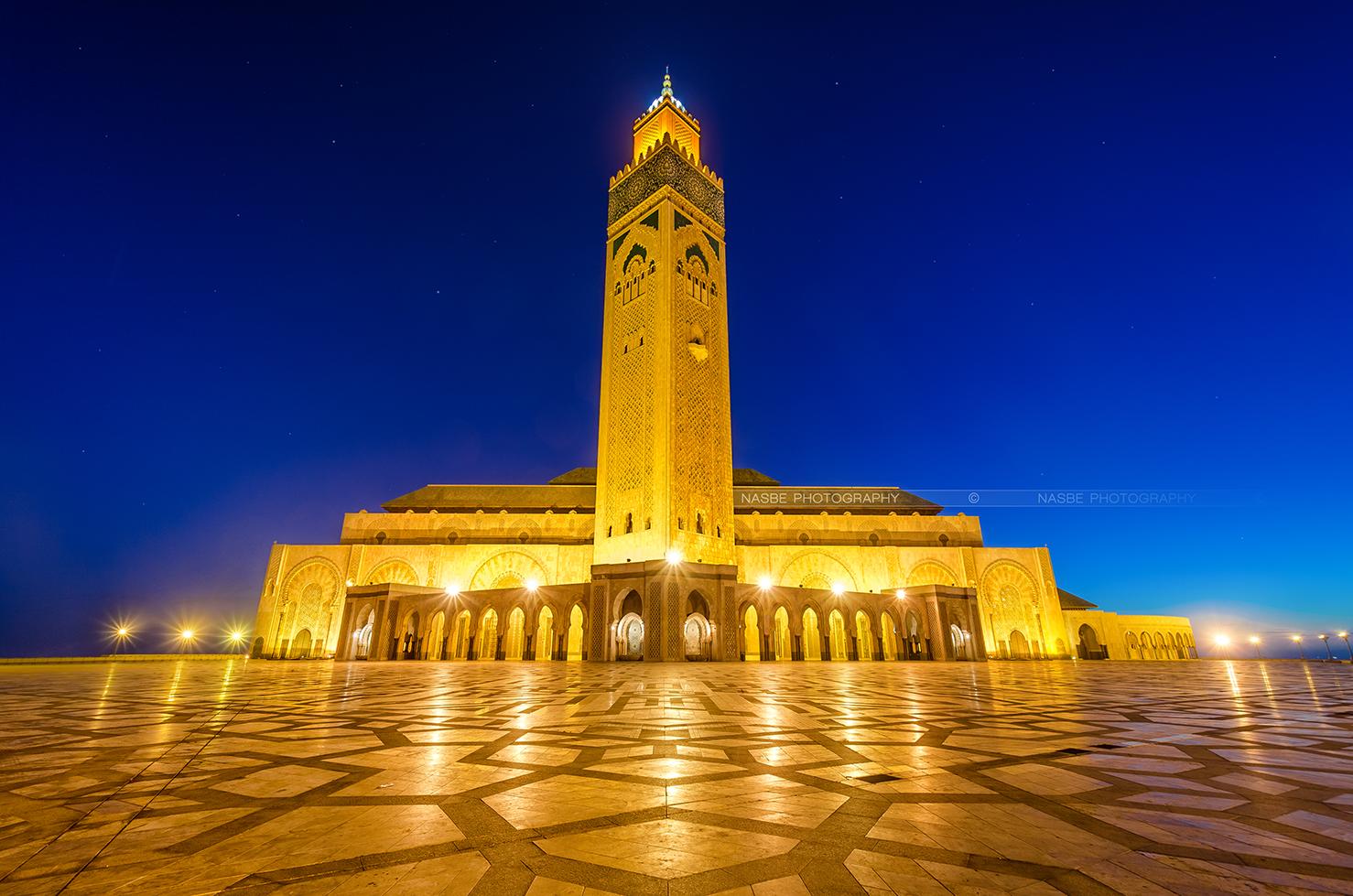من أجل الأرض.. مسجد الحسن الثاني يطفئ أضواءه رمزيا