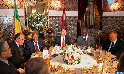 الملك يقيم مأدبة عشاء على شرف الوزير الأول المالي