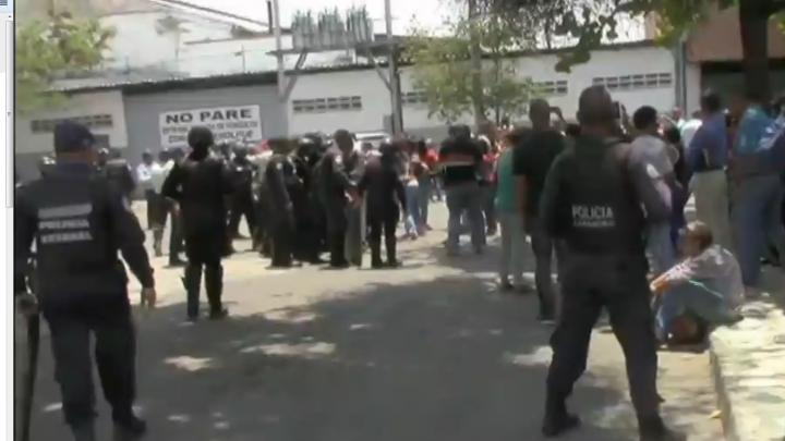 مقتل 68 شخصا جراء حريق داخل أحد السجون بفنزويلا
