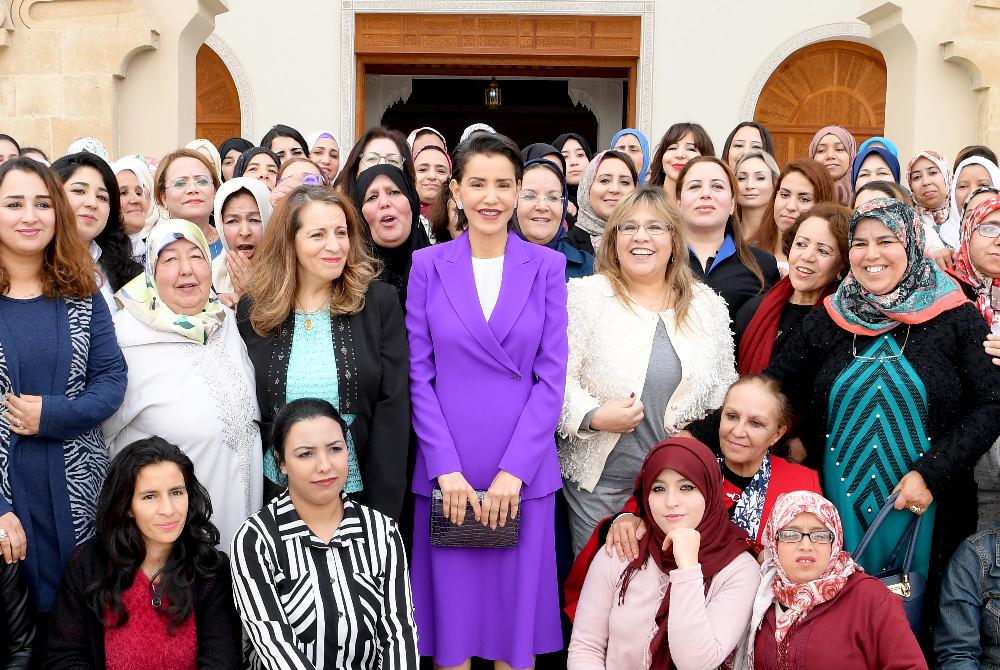 بالصور… الأميرة للامريم المناصرة لقضايا المرأة والطفل تسرق الأضواء في عيد النساء