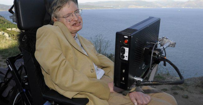 خسارة… رحيل عالم الفيزياء الشهير ستيفن هوكينغ في السابعة والستين من العمر