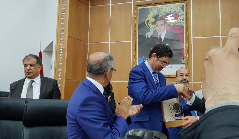 محمد عبد النباوي يتسلم بفاس درع الاتحاد الدولي للمحامين