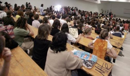 المغاربة يتصدرون عدد الطلبة الأجانب بفرنسا السنة الماضية