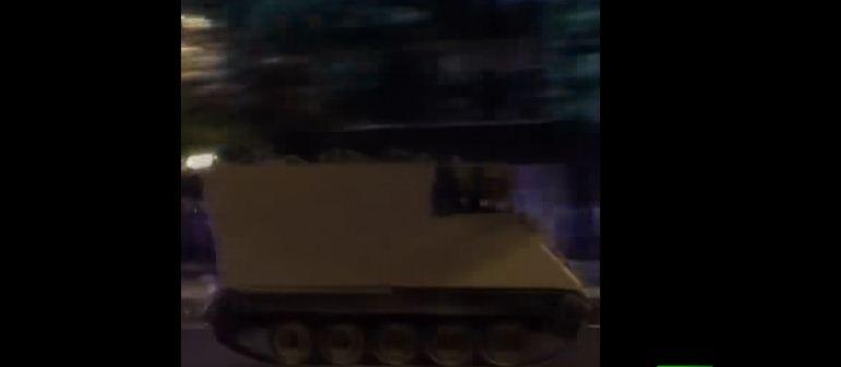 جندي يسرق دبابة