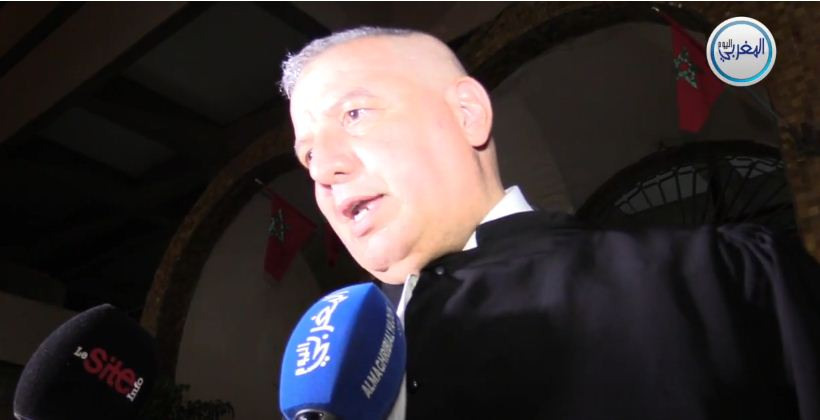 """بالفيديو… المحامي زهراش: """"محضر إحضار أمل الهواري كشف أن عناصر الشرطة ضبطتها في منزل المحامي زيان"""""""