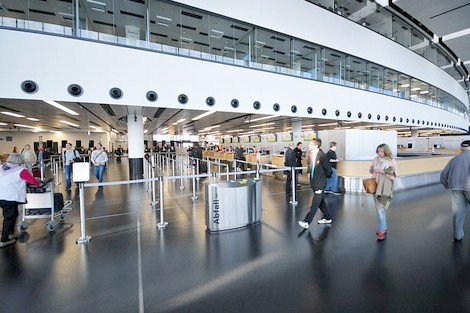 إغلاق مطار فيينا الدولي بعد اكتشاف قنبلة لدى مسافرة أمريكية