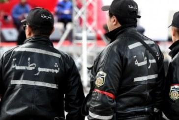 تونس… اشتباكات بين محتجين وعناصر الأمن بعد  إحراق صحفي نفسه