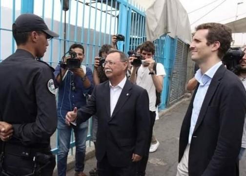 شرطي مغربي يرفض السلام على المحتل