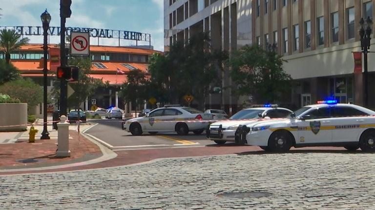 الشرطة الأمريكية: مطلق النار في جاكسونفيل قُتل في المكان ولا مشتبه به ثانياً
