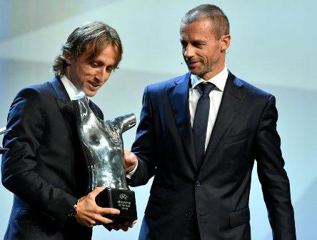 جوائز الاتحاد الأوروبي لكرة القدم : لوكا مودريتش أفضل نجم في أوروبا