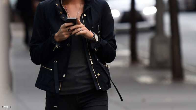"""دراسة تكشف """"تأثير"""" وسائل التواصل على الفتيات"""