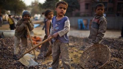 """نصف مليون طفل """"سيموتون جوعا"""" هذا العام"""