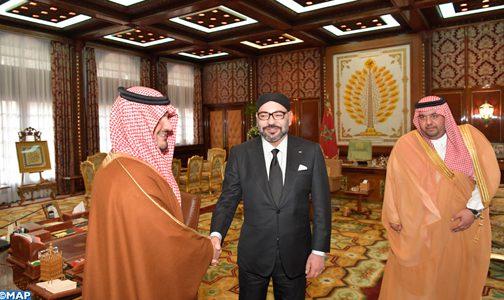 الملك يستقبل وزير الداخلية السعودي