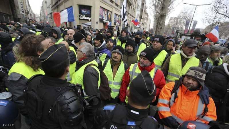 """باريس.. تظاهرات جديدة واعتقالات لعناصر من السترات الصفراء"""""""