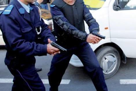 فاس… مفتش شرطة يطلق النار لاعتقال شخص اعتدى على قريب له باستعمال السلاح الأبيض