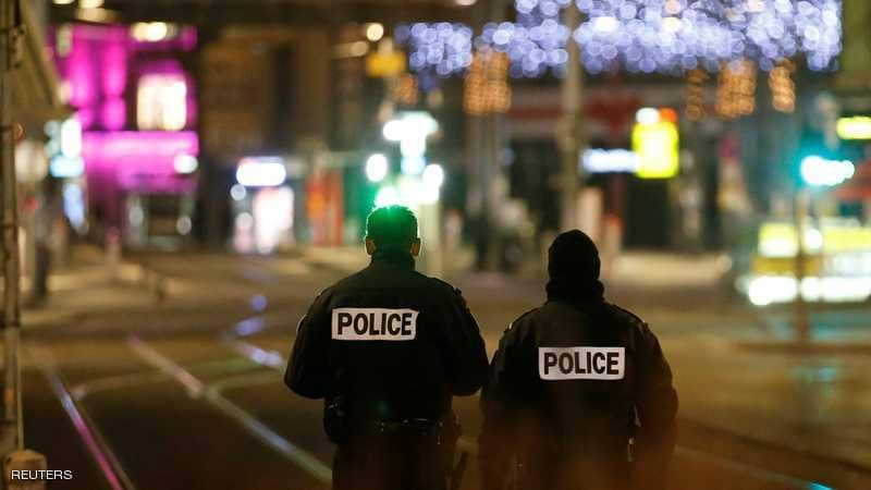 سابقة في فرنسا: تجريد شرطيين من أسلحتهما بسبب شبهات بتطرفهما الإسلامي