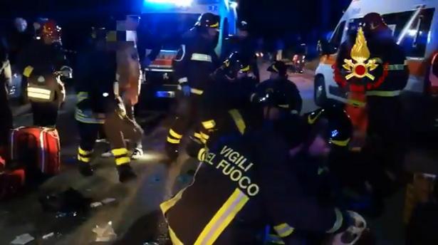 إيطاليا… 6 قتلى وحوالي 100 مصاب بملهى ليلي