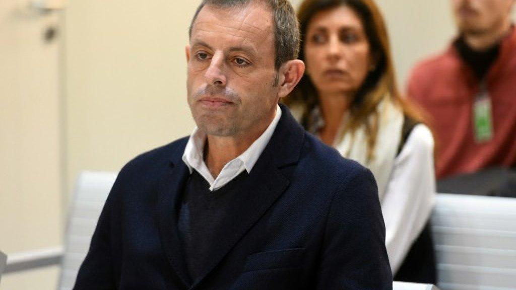 بدء محاكمة رئيس برشلونة السابق بتهمة تبييض الأموال