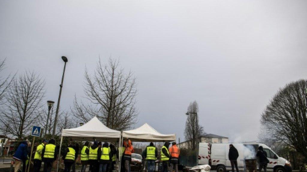 """محتجو """"السترات الصفراء"""" يتظاهرون السبت لإدانة عنف الشرطة بفرنسا"""