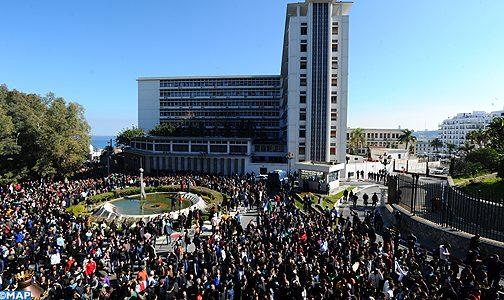 الجزائر: مئات الطلاب يتظاهرون داخل الجامعات رفضا لولاية خامسة لبوتفليقة