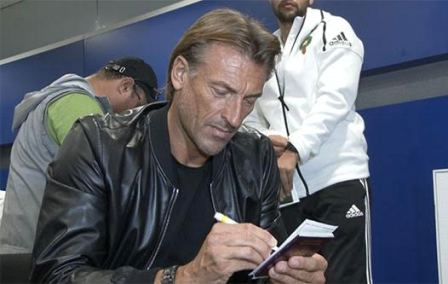 رونار ينفي التوقيع مع الإمارات ويركز على مباراة الأسود مع الأرجنتين