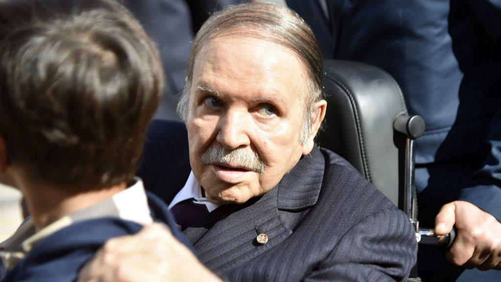 بعد أن عمت الاحتجاجات كل ربوع الجزائر بوتفليقة يقرر الاستقالة في هذا التاريخ