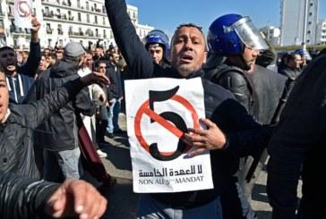 نكاية في الشارع الجزائري… بوتفليقة يقدم أوراق ترشحه رسميا للعهدة الخامسة