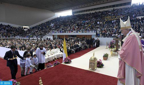 البابا فرانسيس يترأس حفلا دينيا بالمركب الرياضي الأمير مولاي عبد الله بالرباط