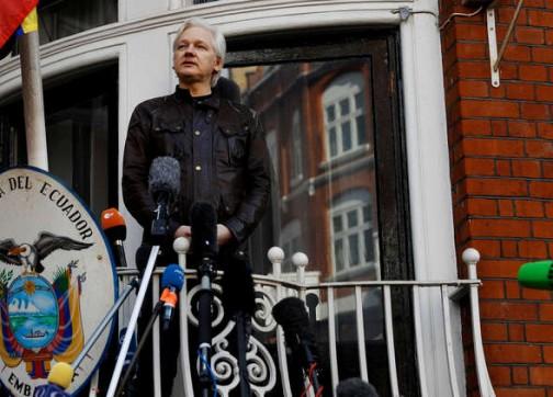 الشرطة البريطانية تعتقل جوليان أسانج مؤسس ويكيليكس