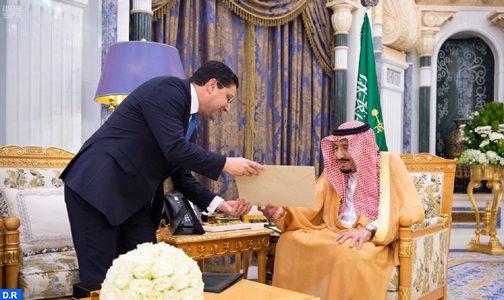 الملك يوجه رسالة إلى خادم الحرمين الشريفين