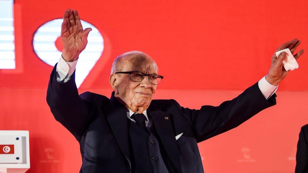 خوفا من السيناريو الجزائري… السبسي يعلن عدم ترشحه للانتخابات المقبلة بتونس