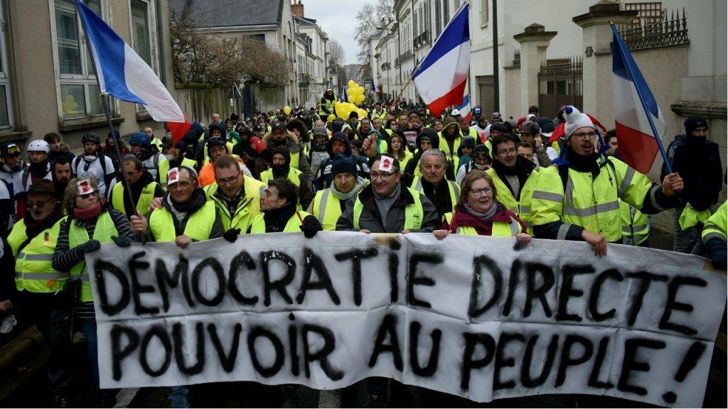 """احتجاجات """"السترات الصفراء"""" في السبت الـ26 بفرنسا"""