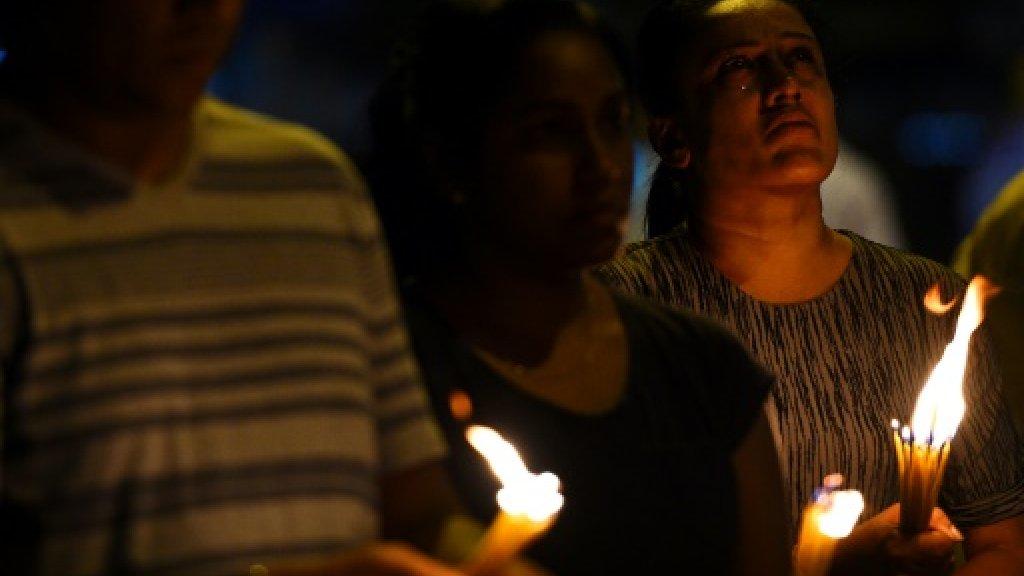 سريلانكا تحظر مواقع التواصل الاجتماعي بسبب المسلمين
