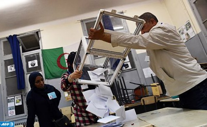 المجلس الدستوري يؤكد استحالة إجراء الانتخابات الرئاسية بالجزائر في موعدها