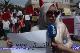 """بالفيديو… احتجاجات متواصلة للساكنة بالمنصورية… مغربية مقيمة بالخارج : """"حقدونا على بلادنا وغادي نصح أي واحد ما يدخل درهم للمغرب"""""""