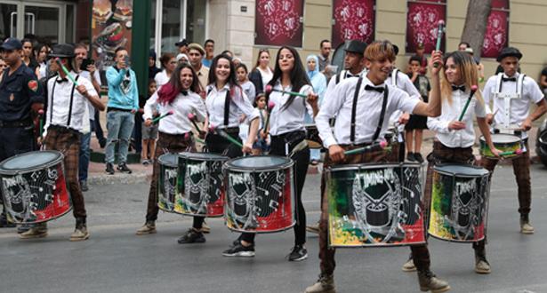 عروض الشارع بموازين 2019… احتفالية كبرى تجوب شوارع الرباط