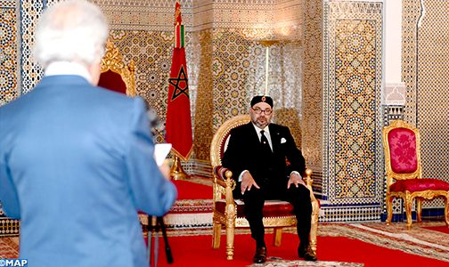 الملك يستقبل والي بنك المغرب