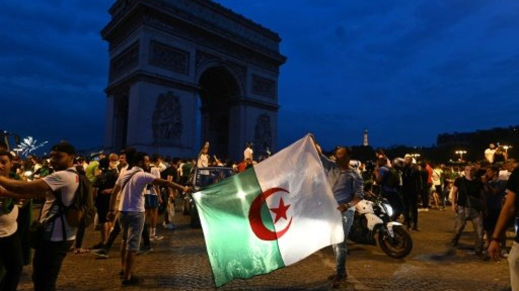 فرنسا… مقتل امرأة وأعمال شغب بعد احتفالات جزائريين بالتأهل لنصف نهائي كأس الأمم الأفريقية
