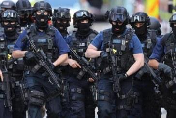 طعن شخص قرب مكاتب الحكومة البريطانية