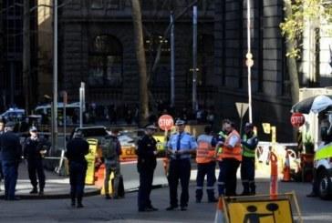 رجل يطعن امرأة حتى الموت بسكين في استراليا ومارة يعترضون طريقه