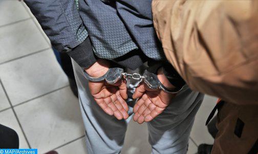 توقيف شخص للاشتباه في تورطه في ارتكاب جريمة قتل باستعمال السلاح الناري في حق شقيقه