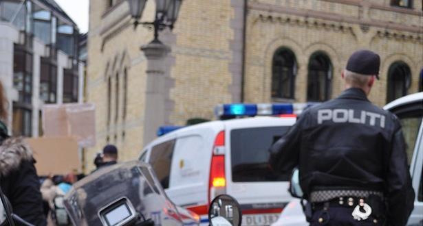 إصابة شخص واعتقال آخر بعد إطلاق نار داخل مسجد في النرويج