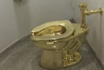 سرقة مرحاض ذهبي من داخل قصر بريطاني