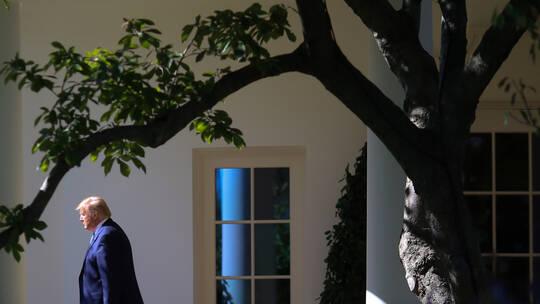 """البيت الأبيض يوقف الاشتراك في صحف """"معادية"""" لترامب"""