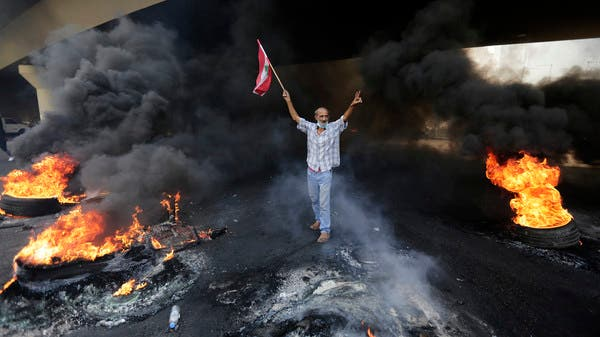 تظاهرات حاشدة في لبنان وسقوط قتيلين في طرابلس