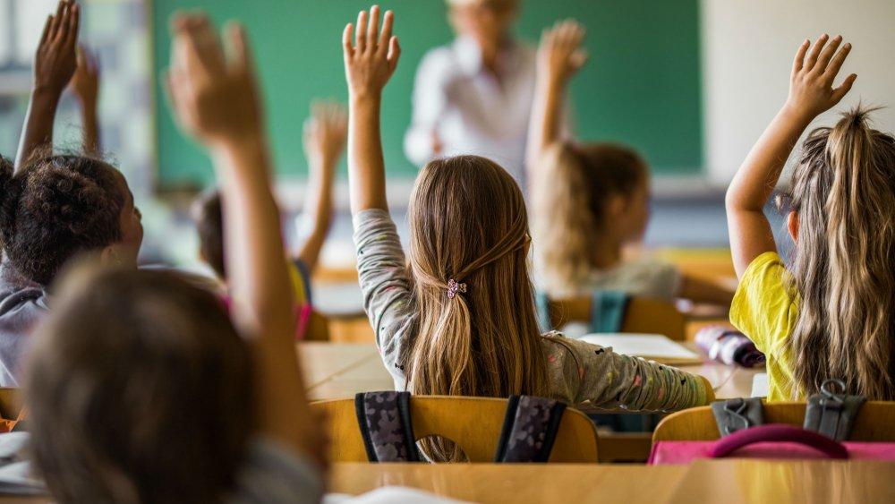المدارس الخاصة تطالب المغاربة بأداء الرسوم رغم توقف الدراسة وجمعية تندد