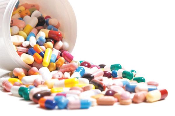 تحذيرات من غياب الأدوية